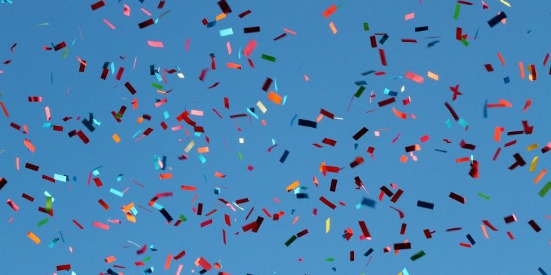 Få et brag af en fest med konfettirør